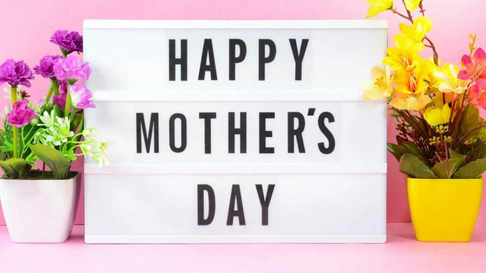 Where to Find the Best Mom's Day Present Deals and Free Shipping Offers